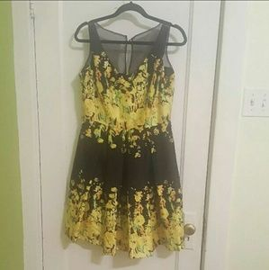 Dresses & Skirts - S Pinup-Style Black/Yellow Dress
